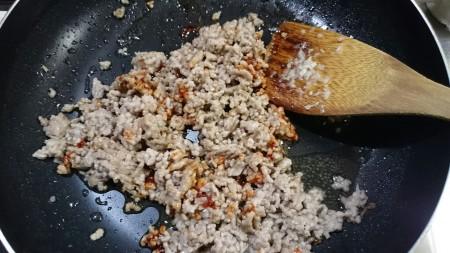 マーボー豆腐行程1